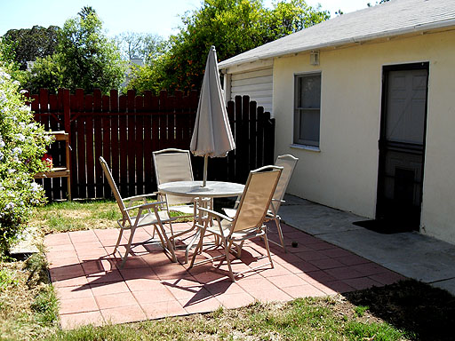 10x10 Patio With Furniture